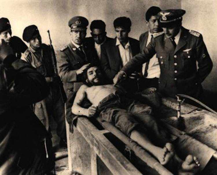 iconic-photos-1960-che-dead